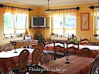 Tisza-tónál a Hársfa Vendégház Tiszafüreden 2-4 ágyas szobákkal
