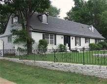 Vernon's old house on Dolan St. adjoining Graceland.