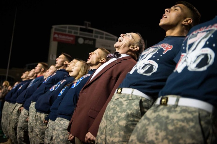 Texas A president R. Bowen Loftin lines up with members of the Corps of Cadets during Midnight Yel