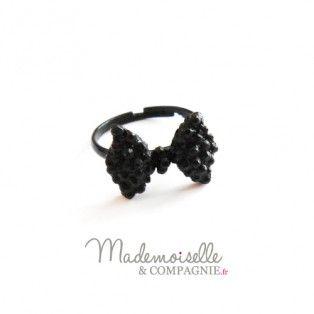 http://mademoiselleetcompagnie.fr/bijoux/bagues/noeud-noir
