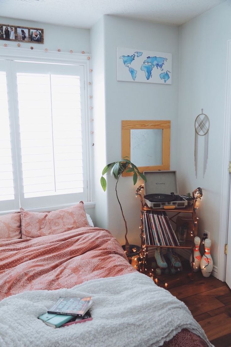 179 best rooms images on pinterest bedroom ideas bedroom white bohemian bedroom with record player