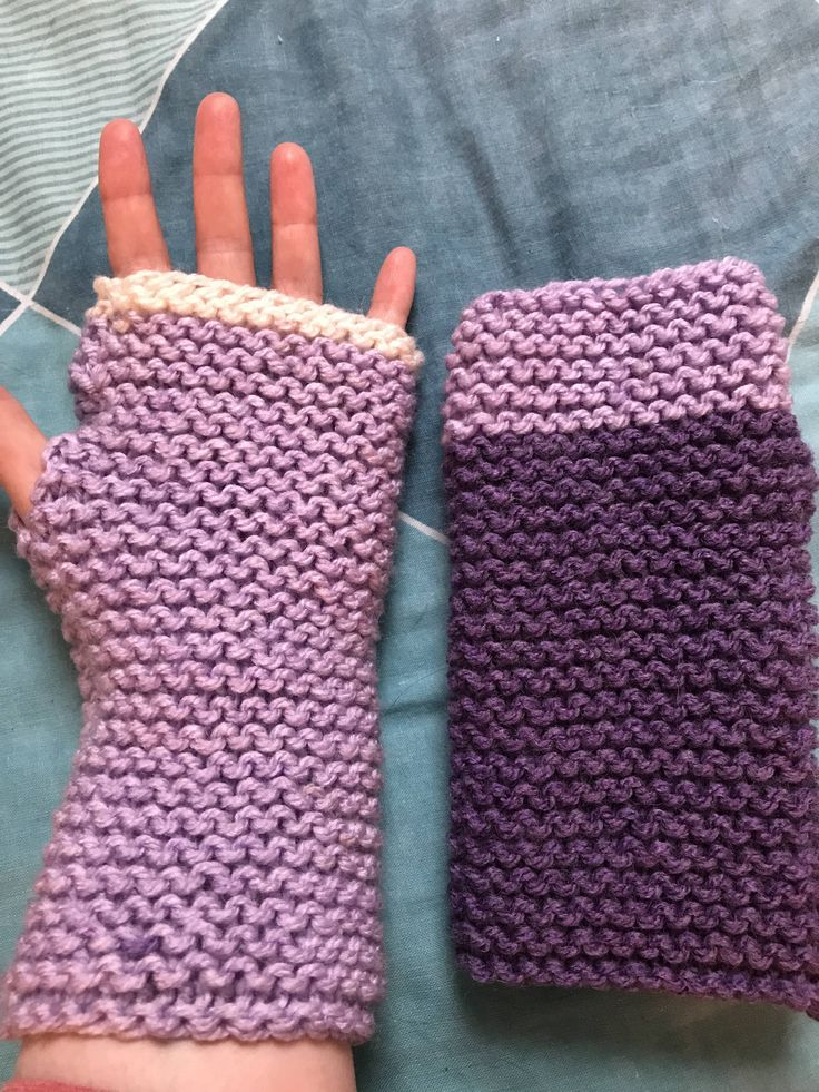 Looking for some cute finger free knit gloves that will keep your hands and wrists warm during the cold weather?  Then look no further. These fingerless purple and cream gloves are made from chunky aran yarn that is so soft you wont want to take them off. I hand knit them using chunky aran yarn in beautiful shades of purple and cream. The yarn is 20% wool, 80% acrylic. There is a little space at the side of each glove for the thumb to pop through.  Each glove is different. One is light…