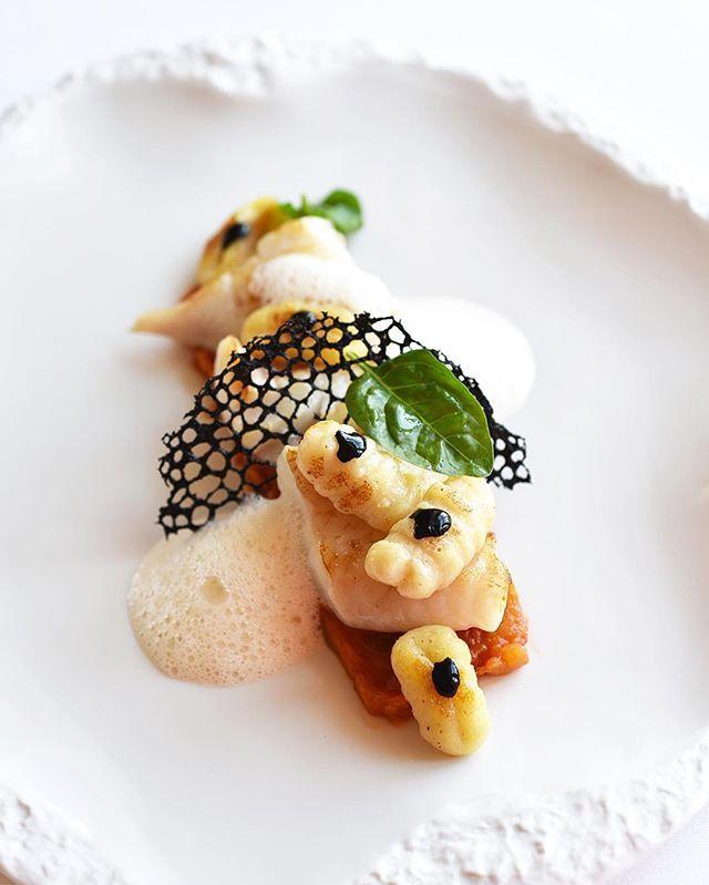 Le Mas des Herbes Blanches. La Cuisine du Chef Xavier Burelle. Le Saint-Pierre du Grau du Roi, pulpe de tomate avec une note de saké, jus d'arêtes à l'encre de seiche, gnocchis de Mona Lisa. @xavierburelle @relaischateaux @maranathahotels #lemasdesherbesblanches #hotel #restaurant #gastronomie #chef #cuisine #gourmet #gourmand #gourmandise #food #foodstagram #foodphotography #picoftheday #pictureofday #photooftheday #lifestyle #summer #holiday #luxe #luxury #travel #maranathahotels #dinner…