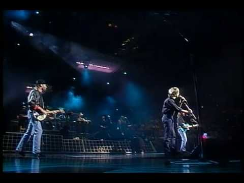 Bee Gees - Stayin' Alive (Live-HQ) - YouTube