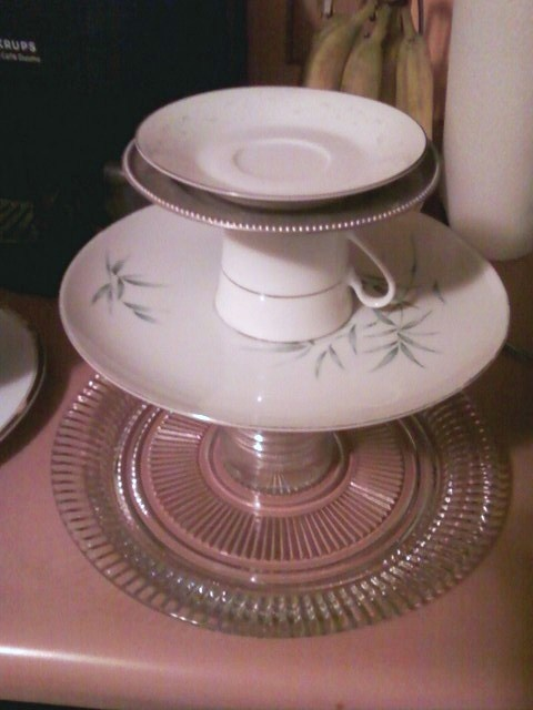 26 best images about craft ideas with old dishes on for Craft ideas for old dishes