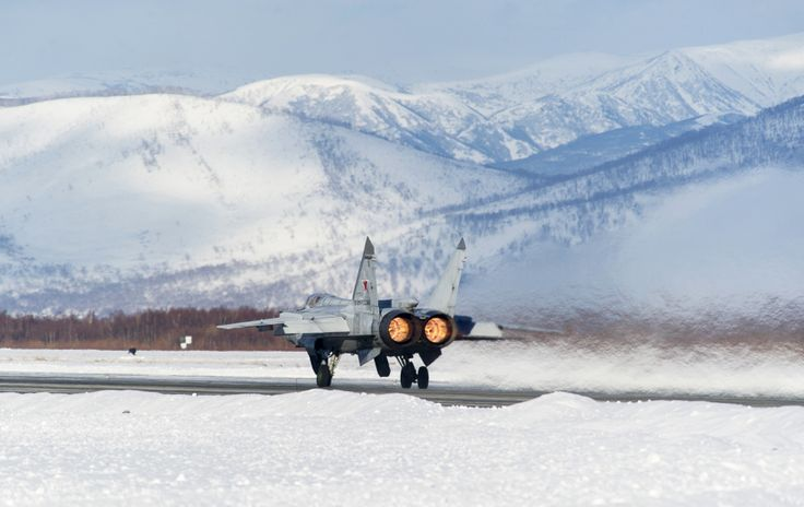 15 photos of the MiG-31, the Russian fighter jet that can chase away SR-71 Blackbirds  -  September 5, 2017: It has two Tumanski R-15BD-300 turbojets, which can bring the Foxhound to nearly 34,000 feet in 8 minutes. Below is a shot of the engine's afterburners in action.