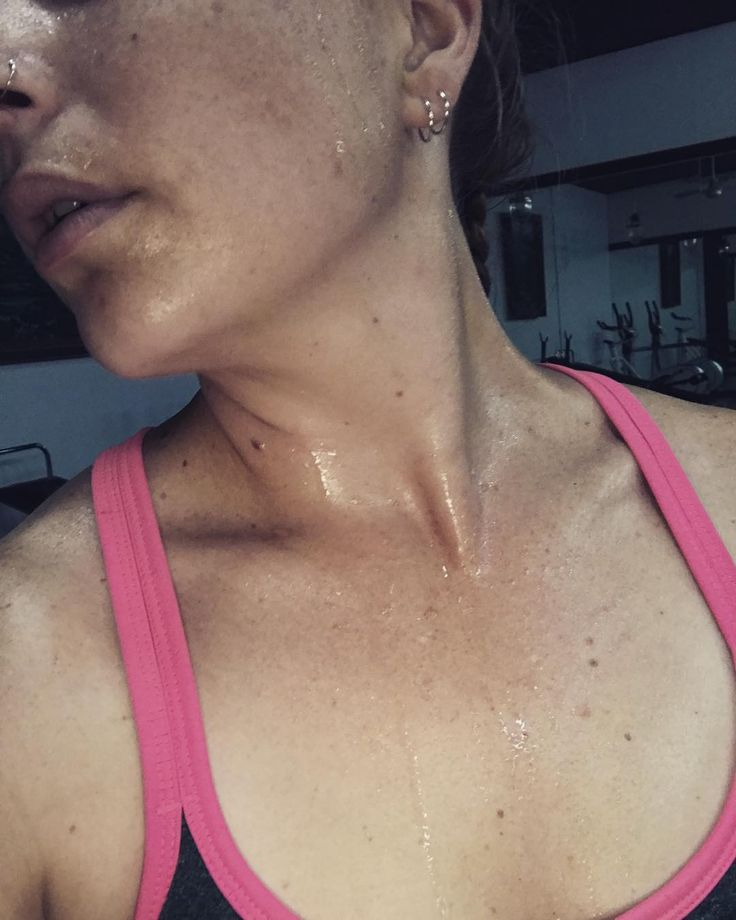 Love it when your Bangkok gym has no aircon and its 100% humidity  #vegantravel #vegantraveller #excited #tired #veganfit #bangkok #thai #travel #thailand #traveller #exercise #noexcuse #sweaty #humid
