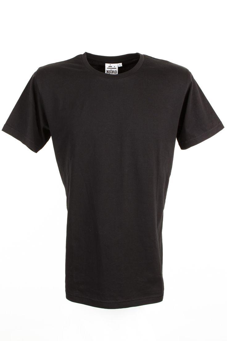 Dette er vores T-shirt model Njord som er et tøjmærke vi har lavet for at lære en masse om tøjdesign så vi har letter ved at rådgive de kunder vi har som ønsker at starte deres eget tøjmærke