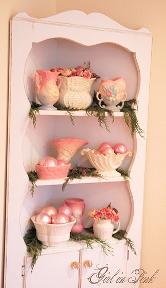 lovely pink holiday vignette: Pink Holidays, Home Tours, Shabby Christmas, Cheer Decor, Christmas Magic, Pastel Pink Christmas, Holidays Vignettes, Merry Christmas, Girls Rooms