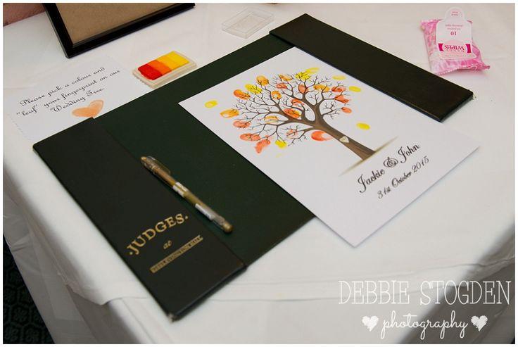 #Guestbook #fingerprint #tree  #Autumnwedding