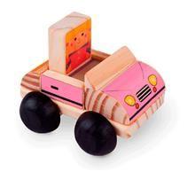 O Meu Carro de Madeira é um brinquedo educativo de excelente qualidade e durabilidade. Sabemos que os pequenos gostam de atravessar suas maiores aventuras com seus carrinhos, como se fossem indestrutíveis, por quê não fazer isso com um brinquedo que realmente suporte todas as batidas, lançamentos e corridas.