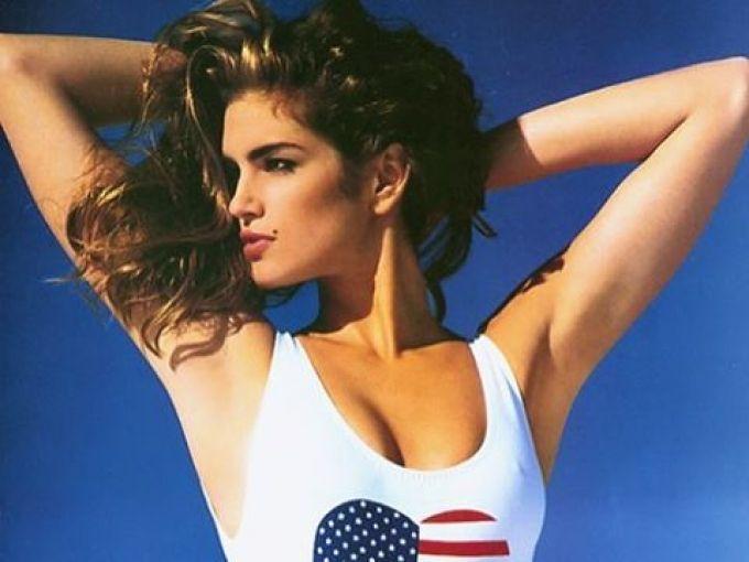 伝説のスーパーモデル、シンディ・クロフォードが30年続ける美ボディ習慣