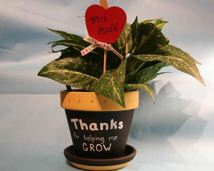 teacher flower pot: Crafts Gift, Crafts Ideas, Teachers Gift, Teachers Appreciation, Gift Ideas, Flower Pots, Personalized Teachers, Schools Crafts, Teachers Thank You