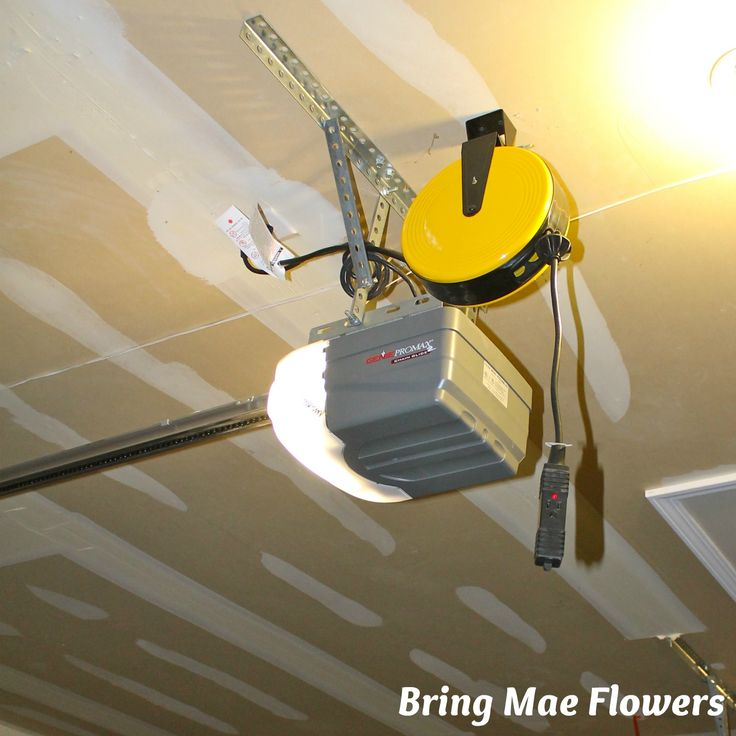 Overhead Extension Cord Pulley For Garage Ceiling Outlet