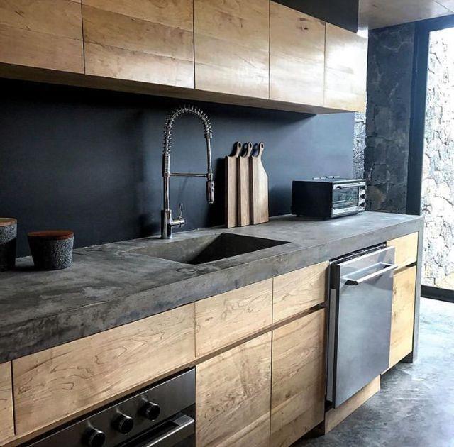 Schöne Holzfronten und Betonarbeitsplatte #wood…