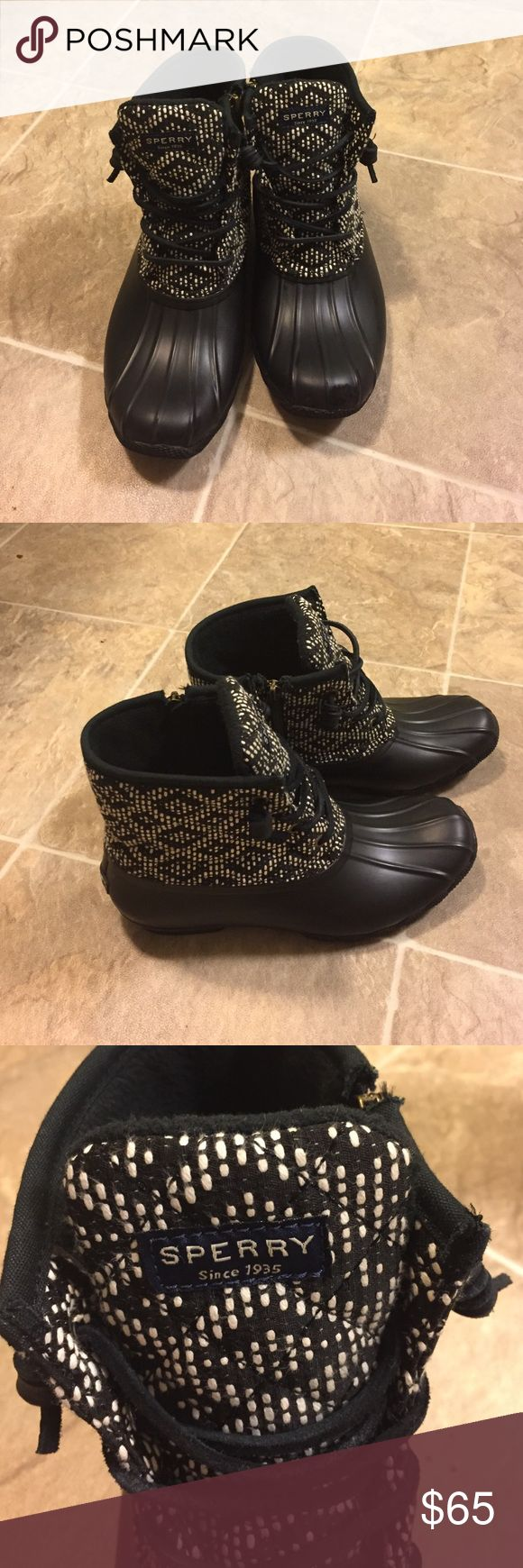Sperry Top-Sider Boot size 8.5 Great condition! Worn twice and my left foot arch is too big for these. Super cute pattern! Sperry Top-Sider Shoes Winter & Rain Boots