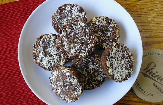 Chocolate Almond Energy Bites - GrokGrub