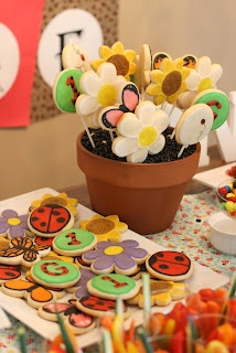 By Guess & By Gosh: Garden Party themed cookies.