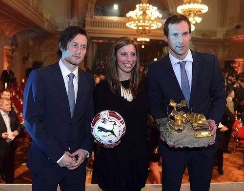 Rosicky Finishes 2nd to Petr Cech in Czech Footballer of the Year 2014.