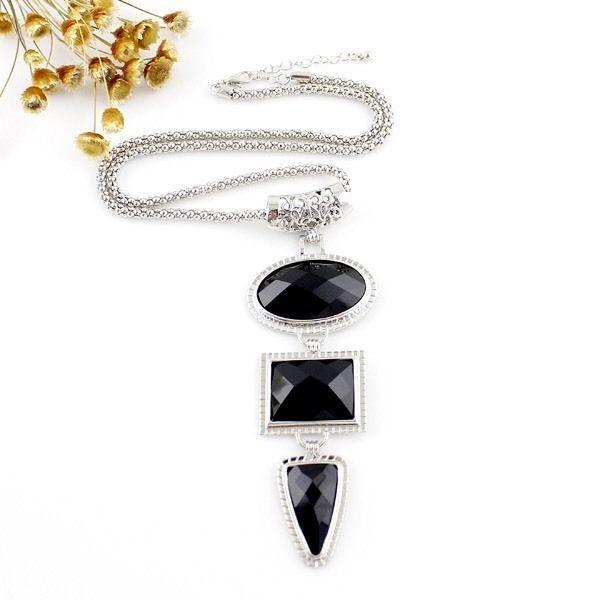 Black Gemstone & Silver Chain Necklace, Women's Fashion Accessories