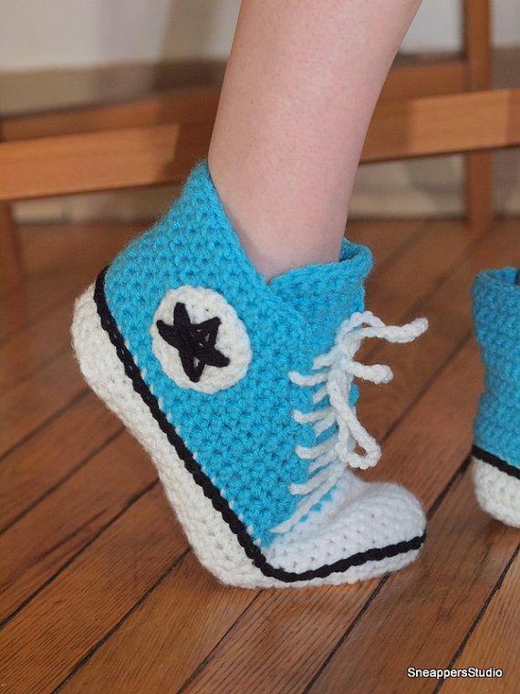 Tops au Crochet adulte Converse haute par SneappersStudio sur Etsy