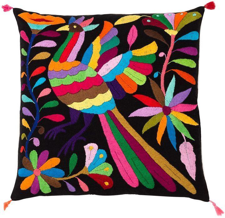 les 25 meilleures id es de la cat gorie coussins multicolores sur pinterest oreillers. Black Bedroom Furniture Sets. Home Design Ideas