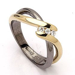 Smuk dark harmony ring i sort rhodineret sølv med forgyldt sølv