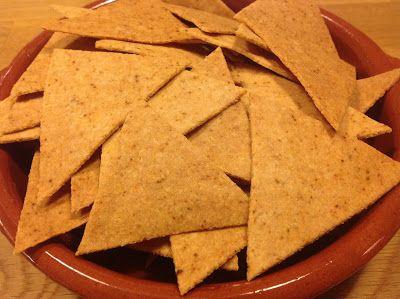 http://undervarttak.blogspot.se/2013/01/tortilla-chips-paleo-recept-enkelt.html    Paleoskafferietstortilla chips!  Detta behöver du till härligt många tortilla chips, ca 4 personer 5 dl…
