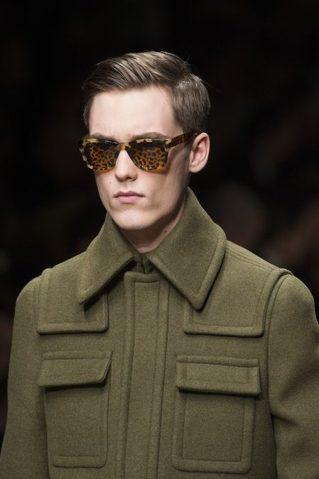 Burberry Prorsum Fall 2013 Menswear  Great collar height/spread balance with yoke/pocket detailing.