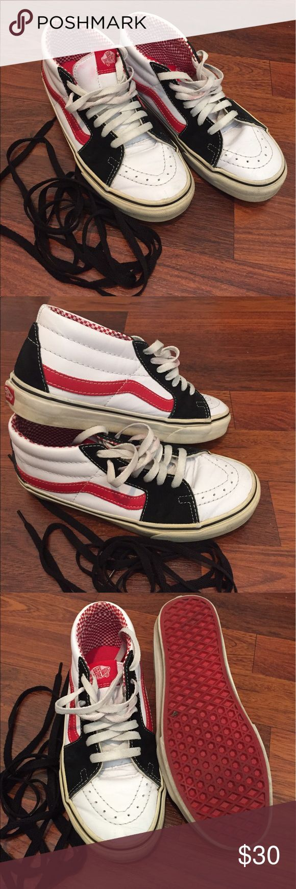 MOVING SALE! Need to get rid of in 2 wks! MAKE OFR Vans Sk8-Mid with extra pair of black laces men's 7.5/women's size 9 Vans Shoes Sneakers