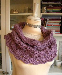 crocheted shoulder warmer | crocheted cowl | crochet pattern | crocheted shrug | heklet hals