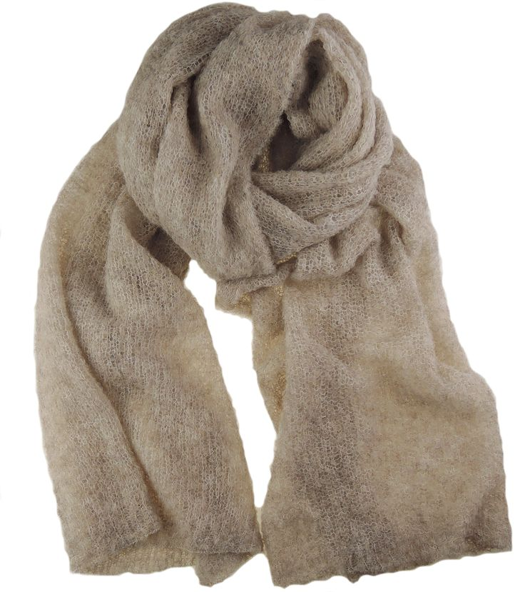 Handmade super light and soft scarf of 100% Baby Alpaca. Ideal to wear on a cold spring or summer day or night.