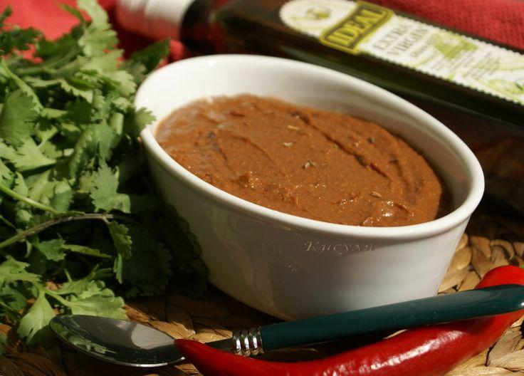 острый шоколадный соус моле (mole)