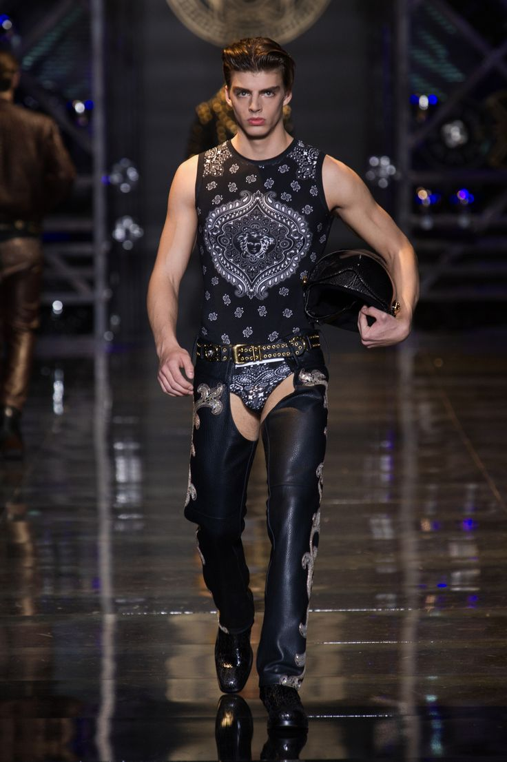 Under Wearing Men Fashion Show Versace Men s Wear Autumn