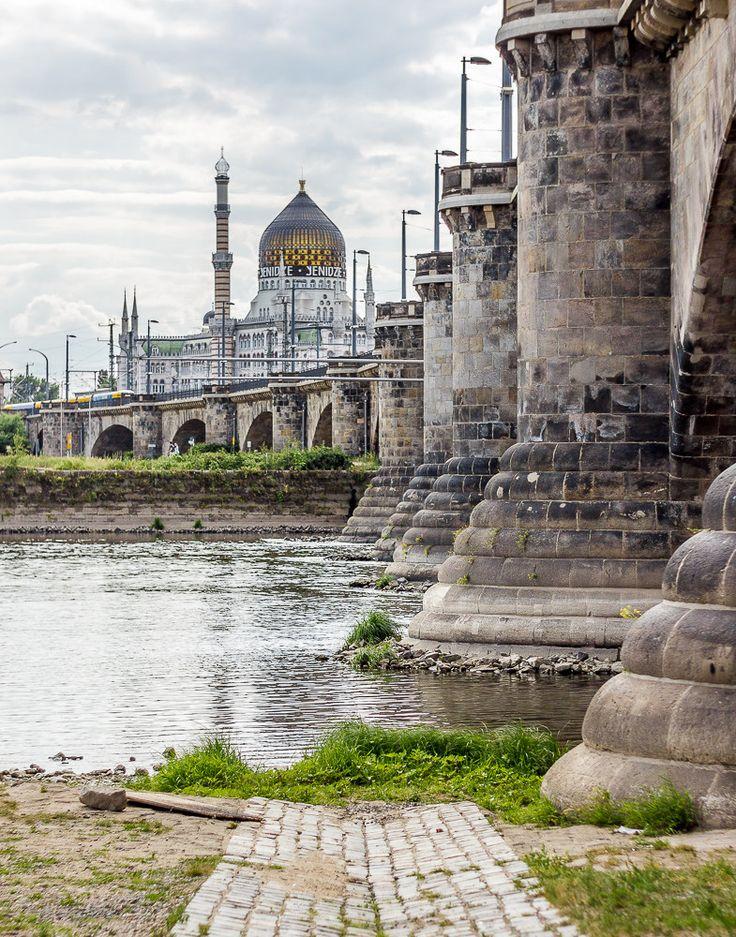 Yenidze & Elbe in Dresden