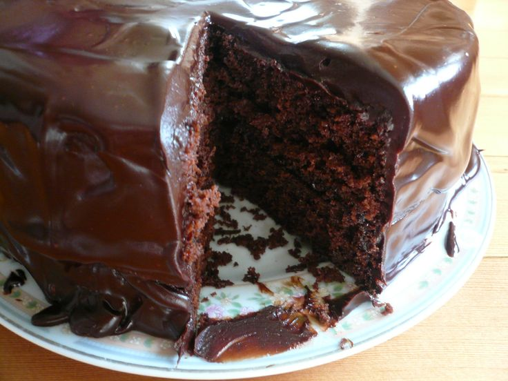 Earl Grey Chocolate Cake.  Looks delicious.  I'm intrigued by the commenter's addition of ground tea leaves in the creamed butter mixture to give a stronger Earl Grey tea flavor.: Rican Chocolates, Food, Desserts Cakes, Grey Chocolates, Jan Grandmother, Earl Grey, Chocolates Cakes Recipes, Puerto Rican, Chocolate Cakes
