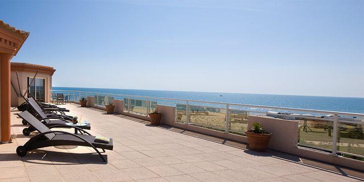 Terrasse - Grand Hôtel Les Flamants Roses - Thalasso & Spa - 4 étoiles - Roussillon #roussillon #france #southoffrance #seaview #seafront #hotel