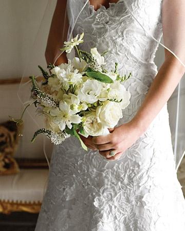 Bouquet de mariée Pastel > Blanc, écru et vert  // Pastel Wedding bouquet > White,  cream and green  #wedding #mariage