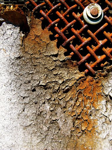 Bleeding Rust for years... mixture of texture interesting mesh with ?