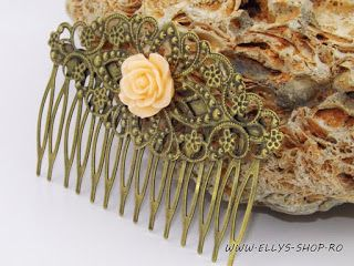 Ellys Shop: Pieptene par bronz si floare din rasina