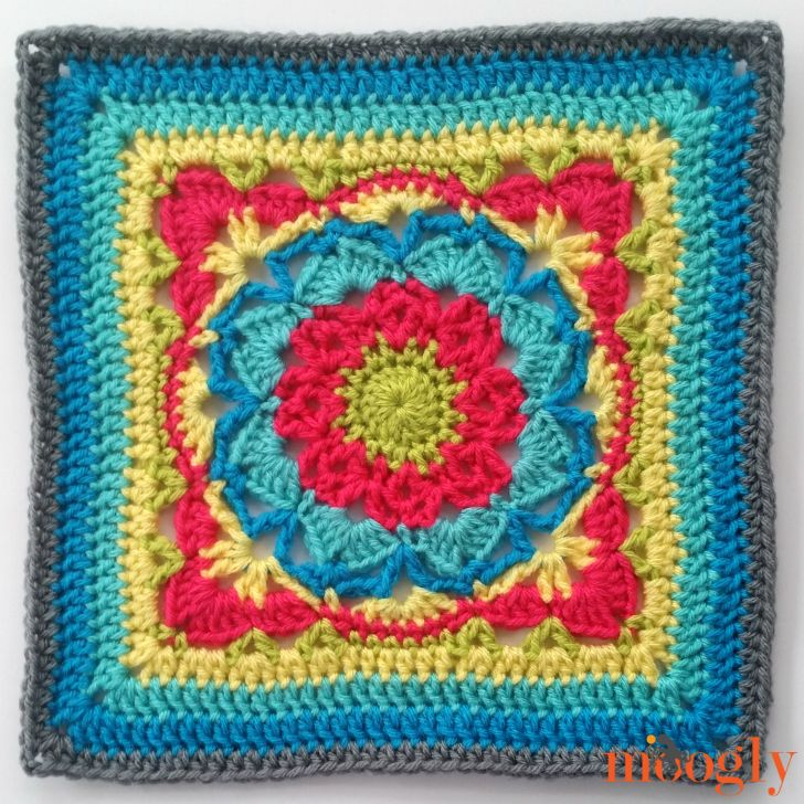 Block #8 in the MooglyCAL2017! 24 free patterns we can make together all year long - all free!