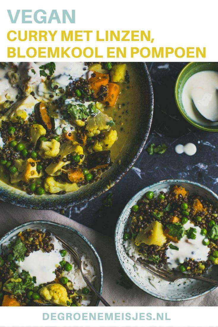 Heerlijke curry voor koude dagen met linzen, bloemkool,  pompoen, kurkuma, kokosmelk en veel kruiden. Je kunt deze curry zo makkelijk maken als je zelf wilt.