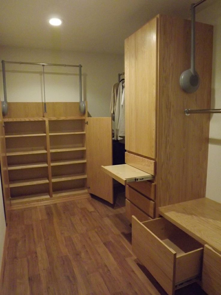 Wheelchair Clearance Plastic Stackable Lawn Chairs Accessible Closet System, Marysville, Wa | Bedroom Pinterest ...
