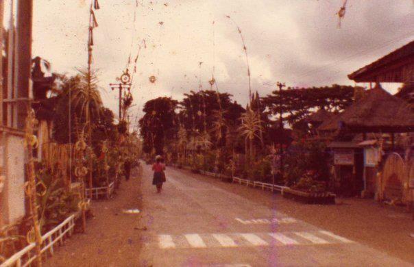 Downtown Ubud 1984 www.rudisbalitours.com