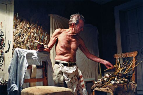 Lucian Freud in studio painting