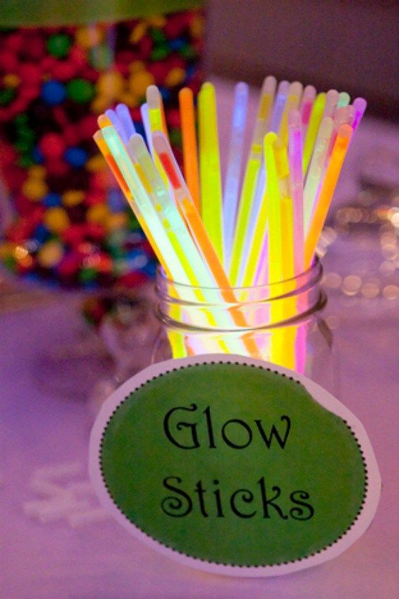 10 Kid's Table Wedding Ideas the Kids and Adults Will Love – Galvin