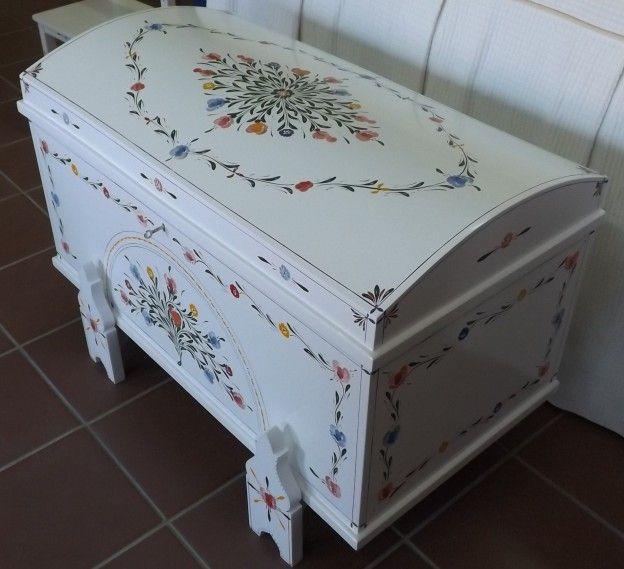 """Produtor de #mobiliário #tradicional alentejano, no #caseiropt por """"Mobitral"""" em Ferreira do Alentejo."""