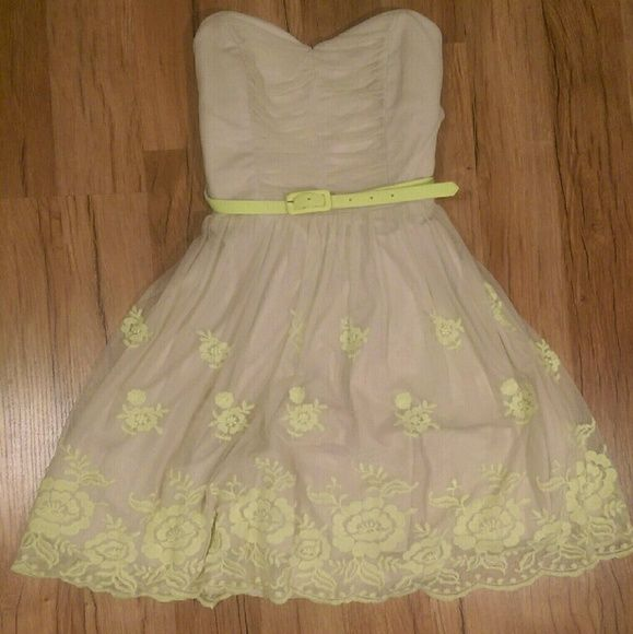 Dress Beige spring dress with neon yellow accents of flowers and a belt. Worn only once. Trixxi Dresses Strapless