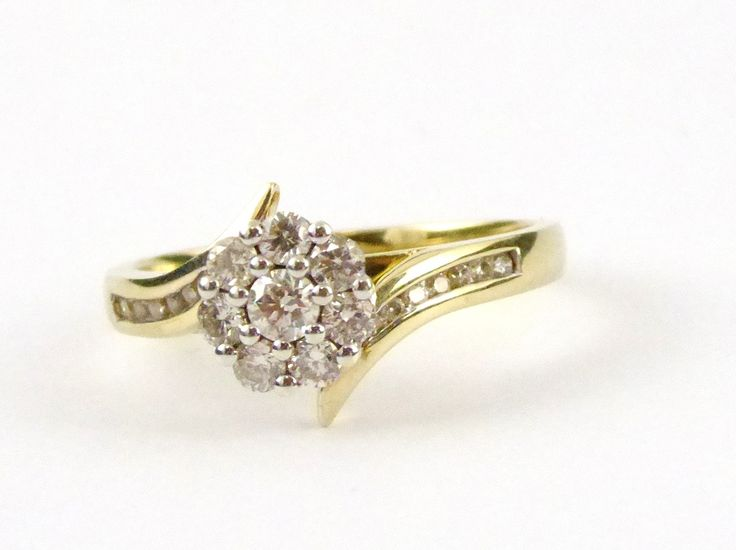 Hallmarked 9ct Gold Ring Set with Diamonds Size O with Valuation Cert $2625 - The Collectors Bag