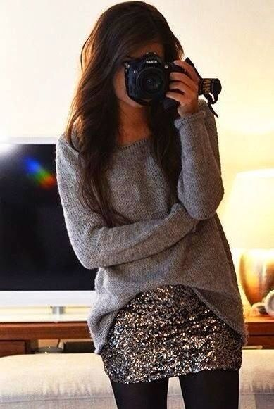 Baggy gray sweater with sequin skirt #comfy #fall #otoño